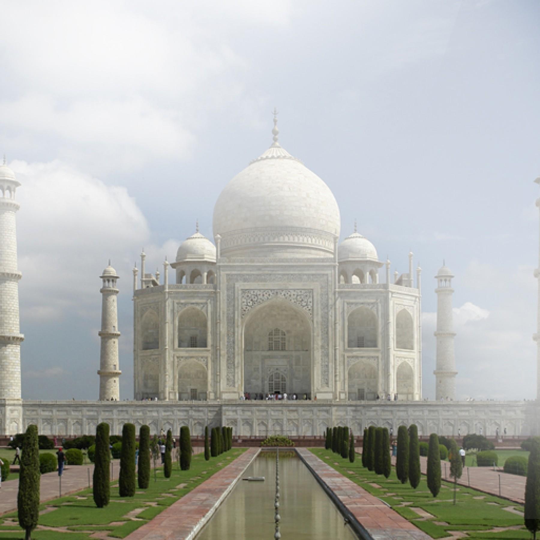 taj-mahal-travel-adults-main-location1