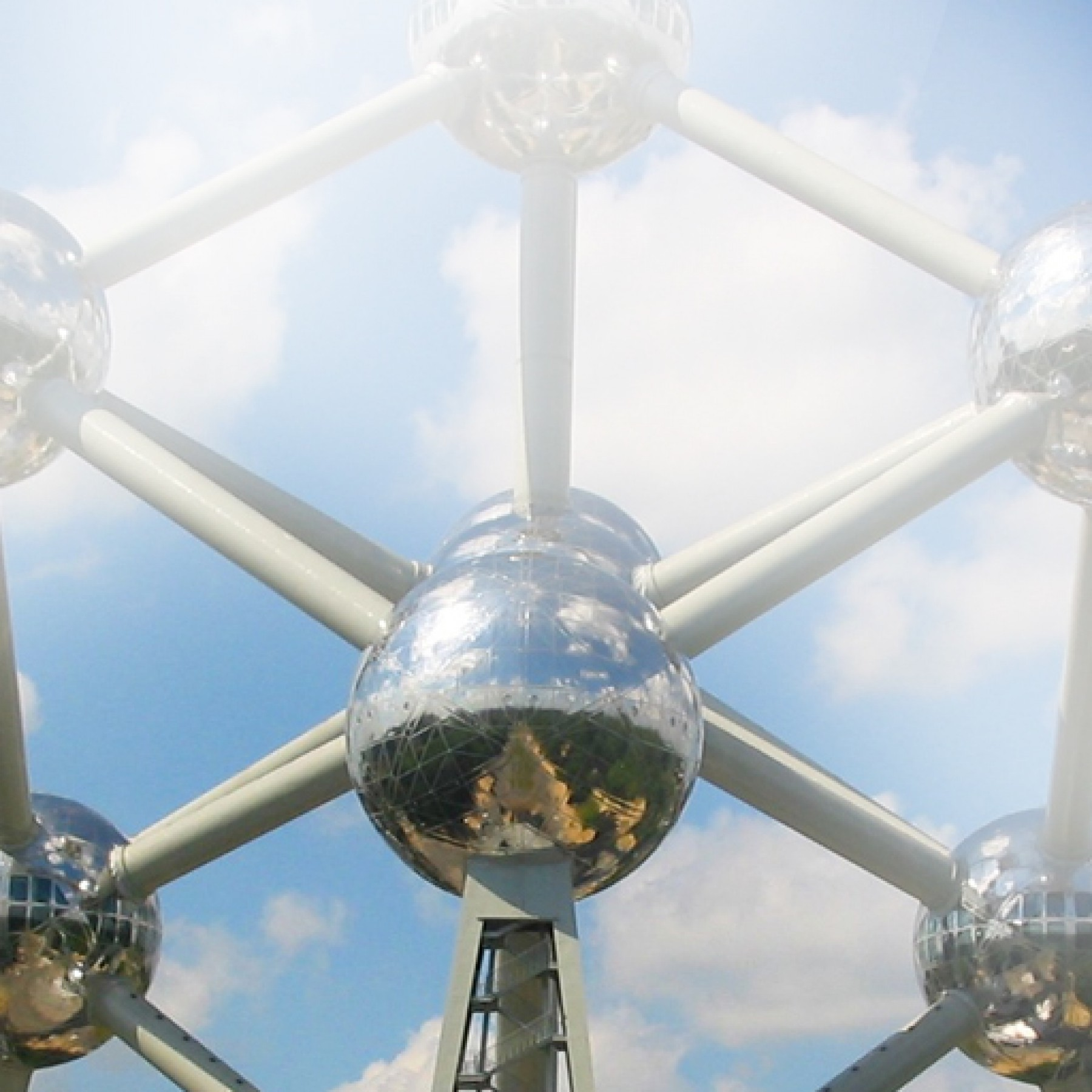 atomium-education-travel-adults-main-location1