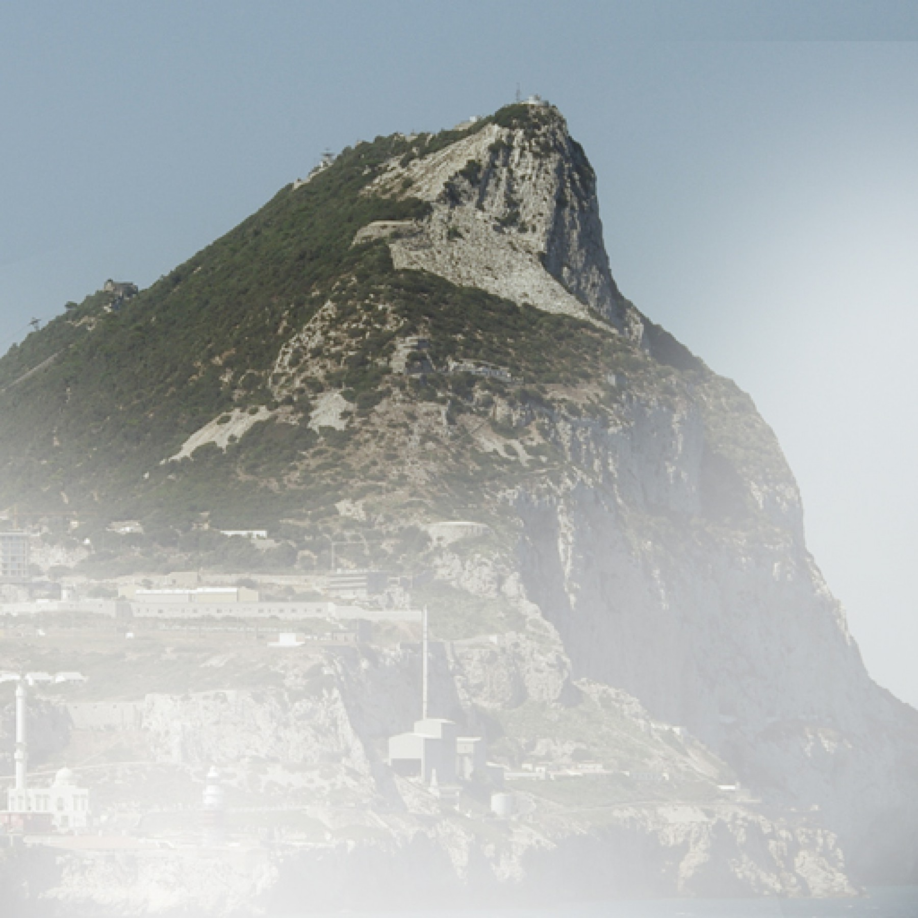 rock-of-gibraltar-travel-adults-main-location